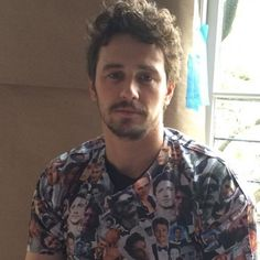 James Franco wearing a shirt made out of James Franco pics. I love this actor - genius. Seth Rogen James Franco, James And Dave Franco, Franco Brothers, Casey Affleck, Michael Shannon, Eva Green, Have A Laugh, Director, Celebs