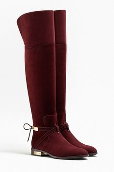 What a wish object that these calfskin boots were signed by Dior. Thigh High Boots, Knee Boots, Rain Boots, Heeled Boots, Bootie Boots, Cute Shoes, Me Too Shoes, Royal Blue Wedding Shoes, Look 2018
