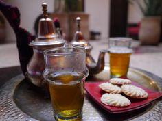 私がマラケシュで泊まっていた『リヤドブッサ』は、   とてもアットホームで、モロッコにホームステイしている気分だった。    ...