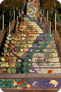 .The Tiled Steps  The 16th Avenue Tiled Steps project was a neighborhood effort to create a beautiful mosaic running up the risers of the 163 steps located at 16th and Moraga in San Francisco.