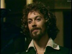 Tim Curry as a young Will Shakespeare. You're argument is invalid! Tim Curry Rocky Horror, Rocky Horror Show, The Rocky Horror Picture Show, Curry One, English Love, Weak In The Knees, Crew Cuts, Music Tv, Man Crush