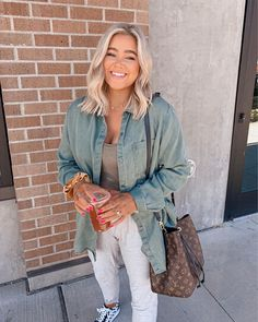 Street Style Outfits, Casual Outfits, Fashion Outfits, Fashion Tips, White Blazer Outfits, Fashion Quotes, 80s Fashion, Petite Fashion, Boho Fashion
