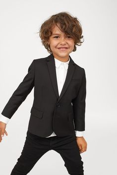 Blazer in woven fabric with notched lapels, buttons at front, and decorative buttons at cuffs. Boys Curly Haircuts, Baby Boy Hairstyles, Toddler Boy Haircuts, Boys Long Hairstyles, Brown Curly Hair, Boys With Curly Hair, Curly Hair Cuts, Curly Hair Styles, Toddler Boy Long Hair