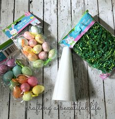 DIY Easter Egg Centerpiece using dollar store items Dollar Store Christmas, Christmas Diy, Christmas Greetings, Mousse, Diy Easter Decorations, Easter Centerpiece, Centerpieces, Balloon Decorations, Easter Crafts For Kids