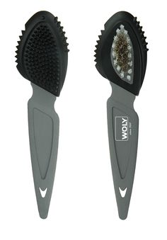 Suede brush cleans and smooths all types of full-grain leathers. Gives a beautiful velvety look. 17.2cm.