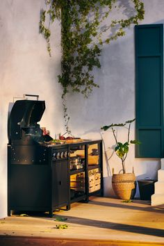 Sun's out? Get the barbecue on. From BBQ party ideas to BBQ tables, we've all you need to fire up the grill and chill all day long. Extra Storage Space, Storage Spaces, Barbecue Sides, Barbecue Grill, Garden Furniture, Furniture Design, Grill N Chill, Bbq Party, Galvanized Steel