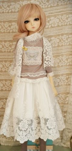 Embroidery lace shirt with lace skirt