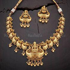 Beautiful Lakshmi Necklace Set Gold Pendant, Pendant Jewelry, Jewelry Sets, Jewelry Necklaces, Gold Jewellery Design, Gold Jewelry, Waist Jewelry, Bangle Bracelets, Bangles