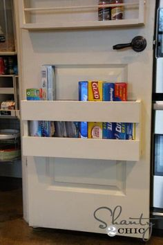 15 Tricks in Under 5 Minutes to Make Your Pantry the Most Organized on The Block! Get it Done Fast! 15 Tricks in Under 5 Minutes to Make Your Pantry the Most Organized on The Block! Get it Done Fast! - Own Kitchen Pantry Pantry Door Storage, Pantry Door Organizer, Kitchen Pantry Doors, Kitchen Wrap, Small Kitchen Storage, Pantry Organization, Organized Pantry, Kitchen Ideas, Pantry Ideas
