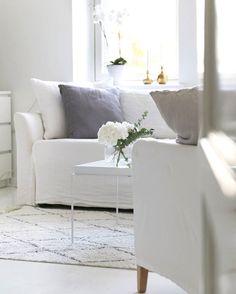 // White Interior,  White Livingroom,  hay Tray,  linen, //