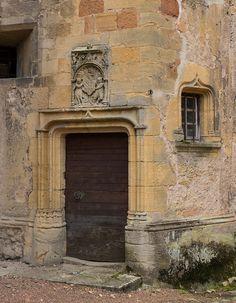 Logis du prieur (XVIe s.) abbaye Saint Fortunat de Charlieu (Loire, France)