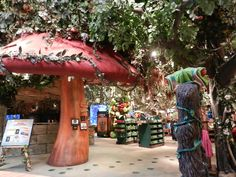 Rainforest Cafe at Great Lakes Crossing Mall. Plus a Disney store right around the corner! Nature Movies, Rainforest Cafe, Summer Vacation Spots, Kids Church, Short Trip, Great Lakes, Weekend Getaways, Michigan, Around The Worlds