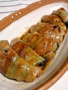 「豚肉の大葉豆腐ロール♪激ウマ必至!」豆腐を巻くだけ簡単&ヘルシー♪少しのお肉でもメイン料理になります(*^_^*)【楽天レシピ】 Miso Soup, Meat Chickens, Japanese Food, Tofu, Side Dishes, Food And Drink, Appetizers, Cooking Recipes, Favorite Recipes