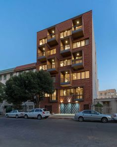Image 8 of 21 from gallery of ELKA Residential Building / DAAL Studio + ELKA Architects. Photograph by Parham Taghioff Building Elevation, Sky Aesthetic, Multi Story Building, Building Ideas, Modern Architecture, Townhouse, Brick, Real Estate, Studio