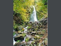 Auvergne Volcanic Regional Nature Park: Cascade Perugia - Chaudefour Valley (© Jean Espirat) - France-Voyage.com