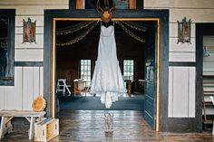 Rustic wedding at The Barn On Jackson in Chehalis, Wa. Click to see the blog post of this gorgeous wedding!  Photo by: TGTB Collective    Tacoma wedding photographers