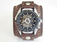 Kožený+hodinky,+pánské+hodinky,hnědá+kůže,+Farba:+hnědá+Šírka:+6+cm+Hodinky:+Winner+-+samonaťahovacie+bez+baterky+Vyrobím+podľa+požiadavky.+Potrebujem+Váš+obvod+zápästia.+Hodinky+vyrobím+podľa+požiadavky+tak+aby+sedeli+na+vašu+ruku.+Pred+kúpou+mi+napíšte+správu+a+všetko+upresníme