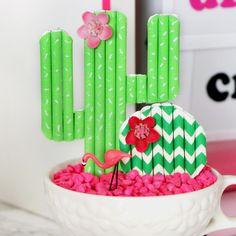 3 DIYs to make from Paper Straws - Karen Kavett Make Pictures, Cute Cupcakes, Paper Straws, Cupcake Toppers, Picture Frames, Diys, Handmade, Crafts, Craft Ideas