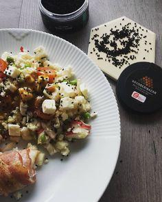 Lav en lækker salat og drys nigellafrø over. Det giver en lækker ekstra smag med lidt bid i. Denne frø er fra @krydderibazar og 100% økologisk 🌹 #salat#fisk#vægttab #vægttabsrejse #sundhed #sundkost #fittliving #motion #motivation #slankekur #kostvejledning #kostplaner #proteiner #motivation #madinspiration #royalcopenhagen #healthydiet #healthyfamily #foodprep #instafood #instahealth #foodporn #foodprep #sundeopskrifter #livsstilsændring
