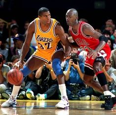 magic johnson vs michael jordan on 1991 nba finals Basketball Pictures, Love And Basketball, Basketball Legends, Basketball Players, Nba Pictures, Basketball Skills, Kentucky Basketball, Duke Basketball, Kentucky Wildcats