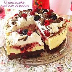 » Cheesecake cu fructe de padureCulorile din Farfurie Simply Recipes, Sweet Recipes, Cake Recipes, Dessert Recipes, Just Desserts, Delicious Desserts, Yummy Treats, Sweet Treats, Best Cheesecake
