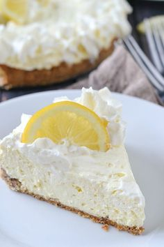 An easy recipe for rich and creamy low carb key lime cheesecake. Not only is this cheesecake delicious it's easy to make too! Low Carb Sweets, Low Carb Desserts, Low Carb Recipes, Baking Recipes, Dessert Recipes, Dessert Ideas, Bread Recipes, Dinner Recipes, Atkins Desserts