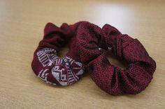 シュシュ(赤) ハンドメイドの温かさが伝わるラオスの布を、ぜひ身につけて頂きたくシュシュに仕立てました。混シルク地とコットン地の2種類をご用意しております。