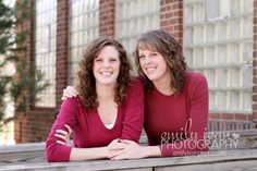 #familyphotos #sisters #cutepose #emilyjeanphotography www.emilyjeanphoto.com
