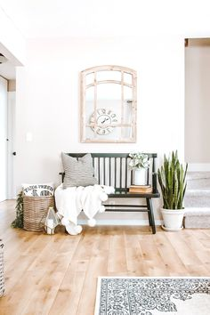 Make a statement with your entryway decor by styling your bench with pillows and throws, plus- add depth with an arch mirror! Thanks for the inspo, Farmhouse Flare Designs! Check out our website for more modern farmhouse decor pieces! Modern Entryway, Modern Farmhouse Decor, Entryway Decor, Modern Decor, Entryway Ideas, Entryway With Bench, Farmhouse Bench, Bench Entry Way, Contemporary Decor