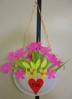 Paper plate flower basket for spring. See more. Mae & Paper plate flower basket for spring. | ARTE Y MANUALIDADES ...
