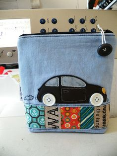 Monday is normally a productive day . I finished a little pouch trying out a new applique design which I want to ma. Free Motion Embroidery, Machine Embroidery Applique, Diy Trousse, Sewing Crafts, Sewing Projects, Tape Crafts, Recycled Denim, Denim Bag, Quilted Bag