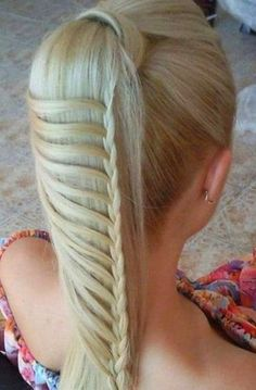 5 Coolest Hairstyles for School: Looks really simple!!! Easy braid with a french cross-over on the left side. #Quick and Cute