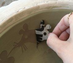 Paper Resist for Underglazing – The Ceramic School Pottery Kiln, Glazes For Pottery, Pottery Art, Ceramic Studio, Ceramic Clay, Ceramic Painting, Pottery Lessons, Pottery Classes, Ceramic Techniques