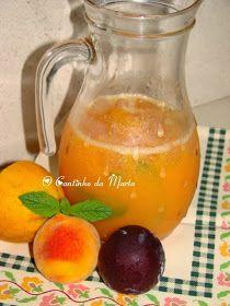 Sumo natural de ameixa, pêssego e laranja