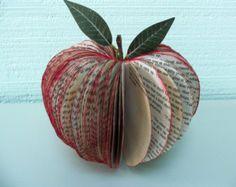 Libro arte de Apple apple 3D personalizado por CreatonCrafts
