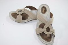 Womens-CLARKS-Size-8M-Leather-Sandals-Slides-Thongs