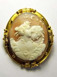 STUNNING ANTIQUE ITALIAN NATURAL SHELL CAMEO BROOCH NIGHT & DAY NYX & EOS c1880