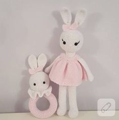 Amigurumi tavşan ve örgü çıngırak makinede yıkanabilir, kilitli gözlü ve cotton iplerle örülmüş sağlıklı ve güvenli örgü oyuncak modelleri. amigurumi bebek nasıl yapılır, nereden alınır gibi pek çok...