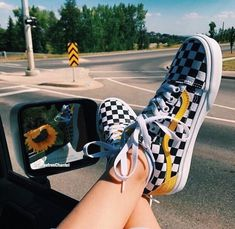 94 Ideas For Vans Sneakers Shoes Summer Sock Shoes, Cute Shoes, Me Too Shoes, Weird Shoes, Pumps, Stilettos, Heels, Street Style Vintage, Tenis Vans