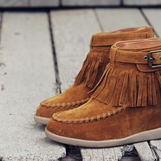 67943a665dcd3 98 Best boots and shoes images