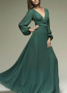 3aabb9e350b9 Abiti lunghi verdi - Le tonalità di colore per ogni tipo di donna
