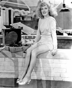 """Vintage Glamour Girls: Jean Arthur in """" The More The Merrier """" Jean Arthur, Golden Age Of Hollywood, Vintage Hollywood, Classic Hollywood, Hollywood Stars, Hollywood Music, Hollywood Glamour, Becoming An Actress, Vintage Vinyl Records"""