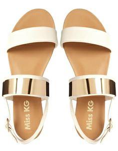 Lux Minimalist Sandals #lux #modern #sandals http://rstyle.me/n/ij3r9jske