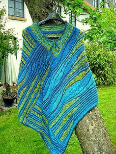Some time ago, I put a free video series for snooping in the KlugeStrickArt online. Gena … Source by groelmernayazi Poncho Knitting Patterns, Shawl Patterns, Knitted Poncho, Knitted Shawls, Knitting Designs, Knitting Stitches, Knitting Yarn, Crochet Patterns, Knitting Short Rows
