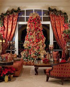 Beautiful christmas tree and drapes Christmas Interiors, Christmas Living Rooms, Christmas Room, Noel Christmas, Xmas, Christmas Heaven, Beautiful Christmas Trees, Elegant Christmas, Victorian Christmas