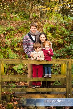Autumn themed family portraits by Staffordshire and Cheshire photographer www.ashacarlos.com