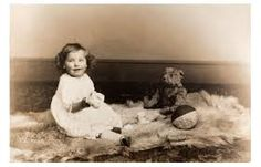 Kveller 18 Jewish Baby Names That Were Popular — in with a teddy bear Teddy Bear Pictures, Bear Photos, Old Photos, Vintage Photos, Vintage Photographs, Antique Photos, Vintage Postcards, Old Teddy Bears, Antique Teddy Bears