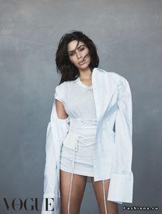Ким Кардашьян в фотосессии для Vogue Австралия