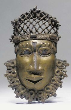 Totems, French West Africa, Royal Art, Art Africain, Africa Art, African Masks, Portraits, African History, Ancient Art
