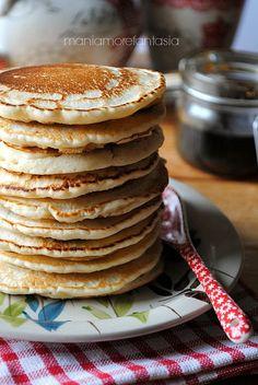 pancake light senza uova e senza latte e x renderli ancora più salutari si potrebbe usare farina integrale!!